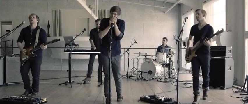 Werbeagentur Blitz & Donner Bern realisiert Musikvideo für YOKKO